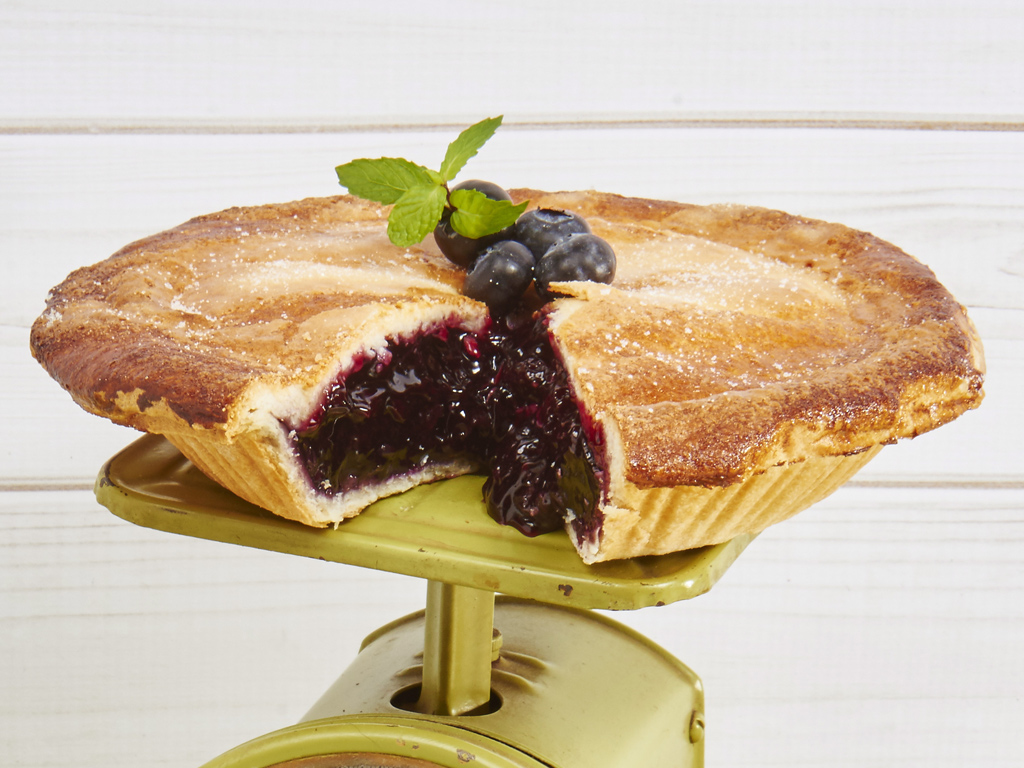 Sink your teeth into this delicious and fresh Blueberry Pie, delivered just in time for your loved one's next event. Sweet and simple and out of control withe flavor! Each pie arrives in a gift box and includes the greeting card of your choice. Order online for nationwide delivery!