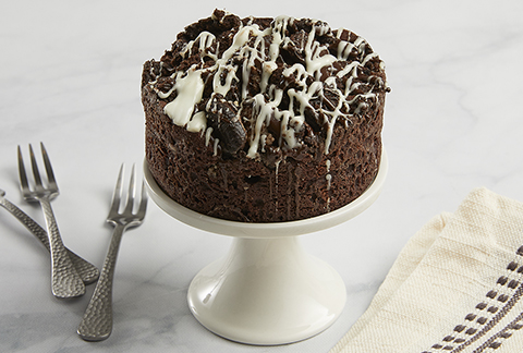 4-inch Cookies and Cream Brownie Cake