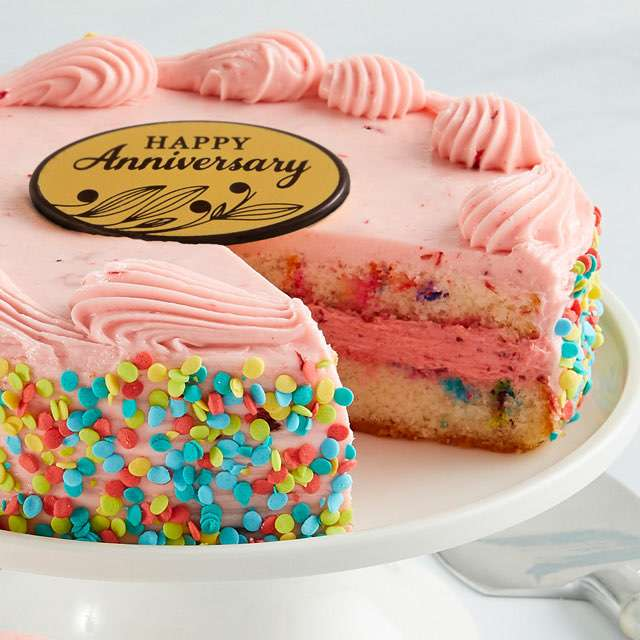image of Strawberry Funfetti Cake