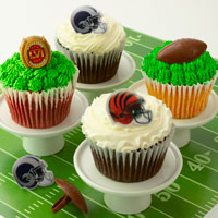 Wide View Image BIG GAME! Cupcakes for Feb 2nd